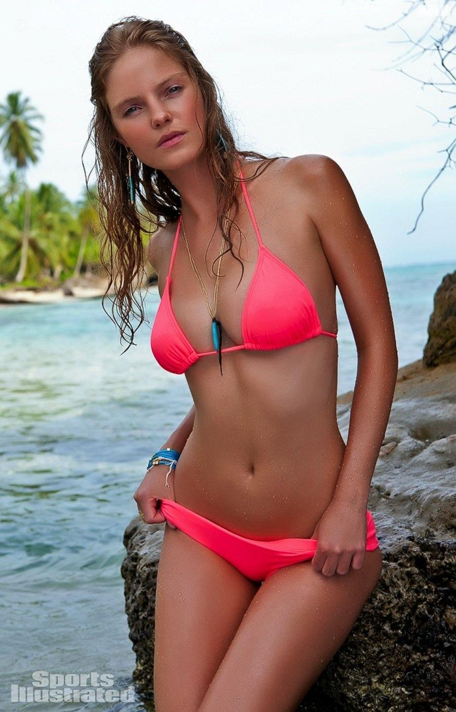 Jessica Perez in Panama, SI Swimsuit 2012