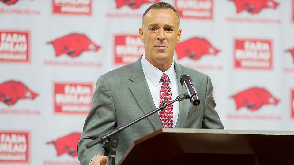 Jimmy Dykes has called women's basketball games for ESPN but has never coached women's basketball at any level.