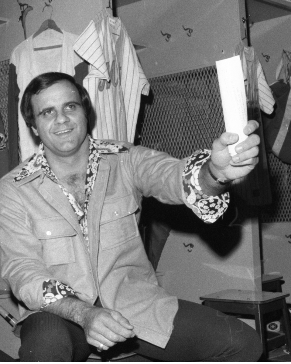 Torre hangs out in the locker room after joining the Mets in 1975. (Getty Images)