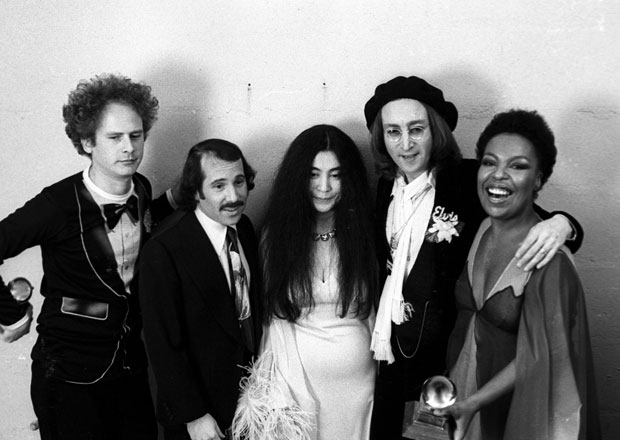 Art Garfunkel, Paul Simon, Yoko Ono, John Lennon and Roberta Flack :: Getty Images