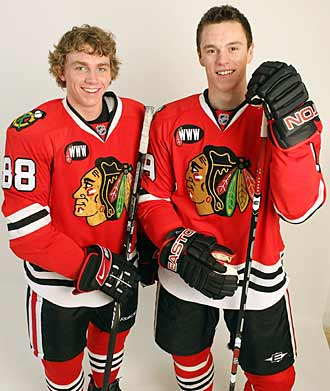 Toews with sidekick Patrick Kane in 2007.