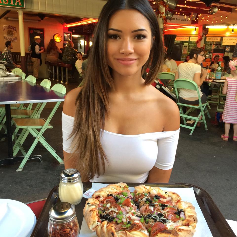 Julia Kelly :: Facebook