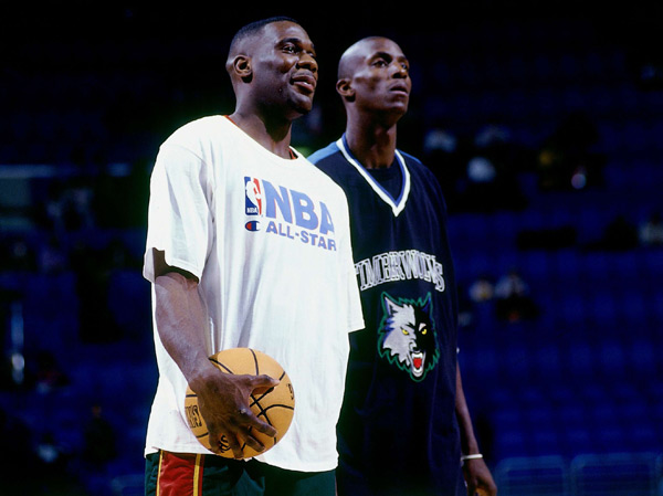 Shawn Kemp and Kevin Garnett (1997) :: Getty Images