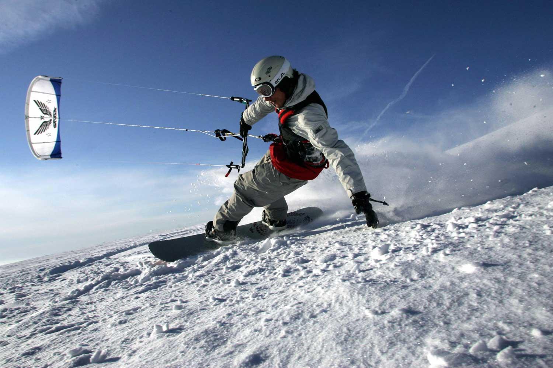 Martin Stobbe whisks down the hill on the Wasserkuppe mountain near Poppenhausen, Germany.