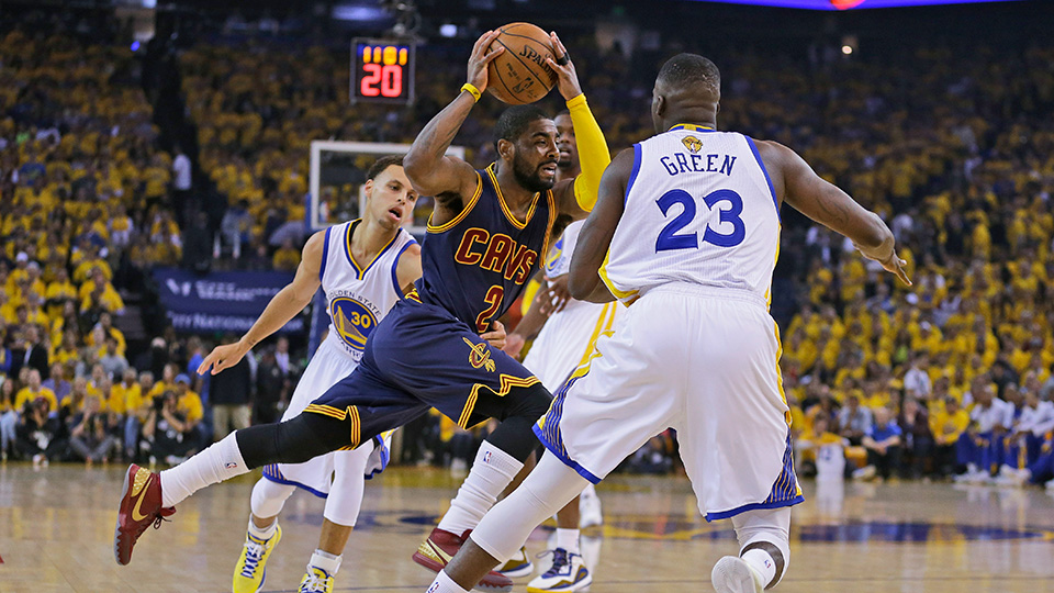 Kyrie Irving suffers knee injury during Game 1 of NBA Finals | SI.com