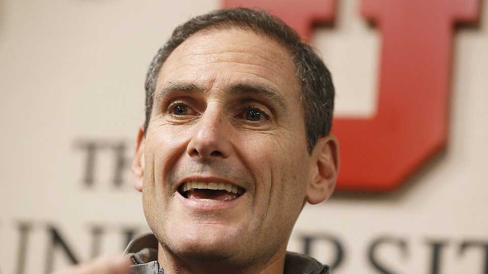 Pac-12 commissioner Larry Scott announced that the Pac-12 will host a non-conference game in China in both 2015 and 2016.