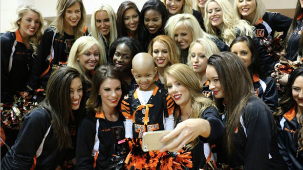 Leah Still and Bengals Cheerleaders ::  Twitter/Bengals
