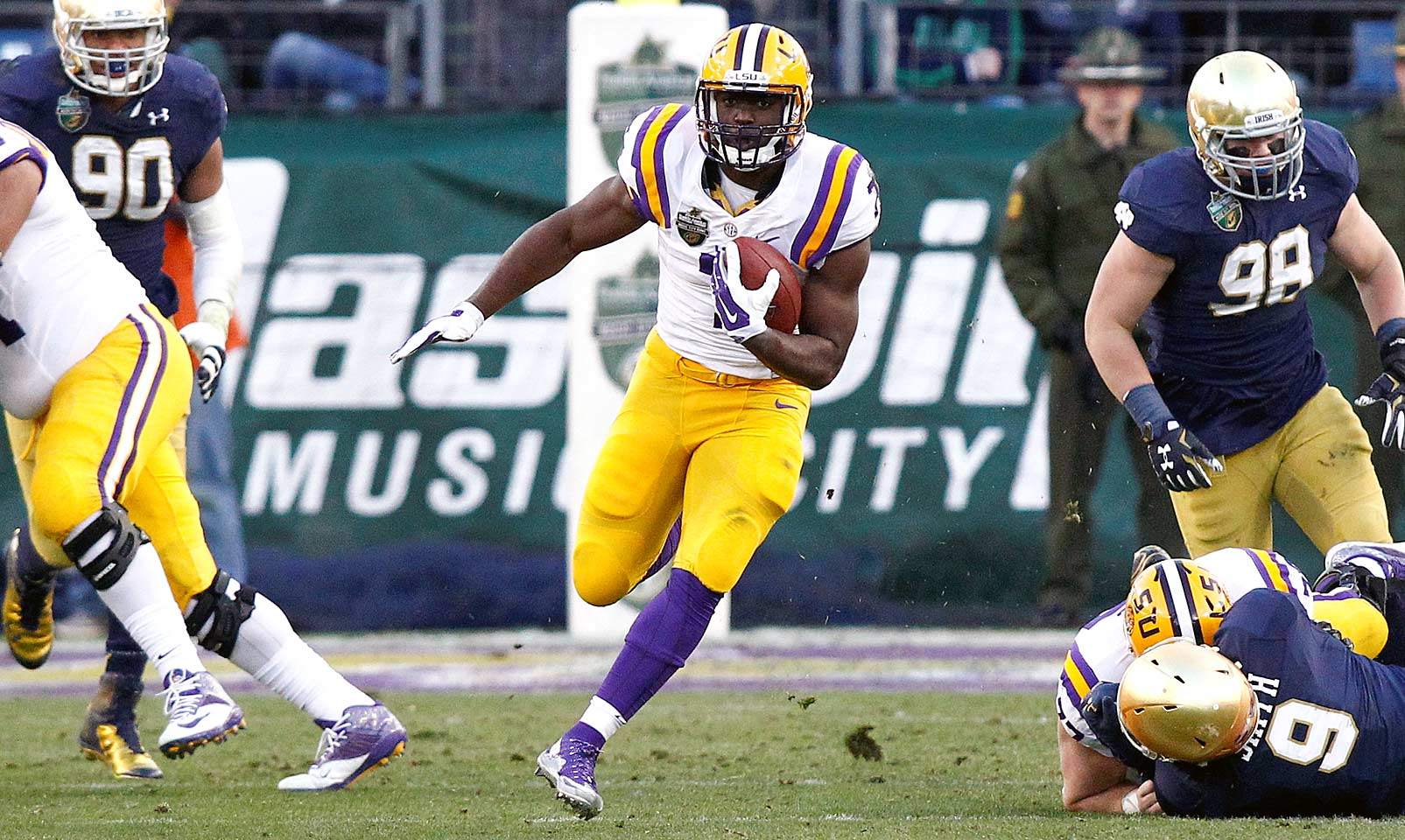 Fournette battled the pressure of immense hype on his way to a highly productive season in his true freshman campaign. The New Orleans native ran for 1,034 yards and 10 touchdowns for the Tigers and has barely scratched the surface of his potential.