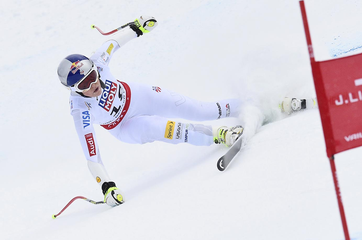 Lindsey Vonn won a bronze medal in the FIS Alpine World Ski Championships Super G.