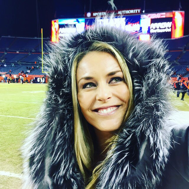 Had fun at the @broncos game last night! Thx to the Bowlen family for having me and taking me on the field. Now it's time to pack my bags, heading back to Europe tomorrow! #GoBroncos