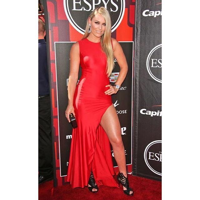 I may not have won this year but it was still an amazing night! Congratulations to all of the #ESPY winners and nominees. Can't wait for next year!! Thx again to my amazing team for helping me look presentable too! @madisonguest @polkohontas @jennstreicher dress: @waltercollection