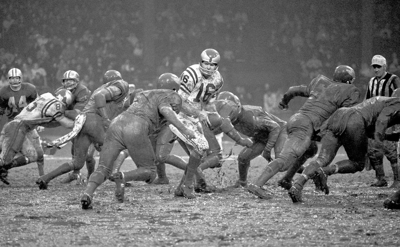 Norm Snead and the Eagles met the Lions in the mud in 1968.