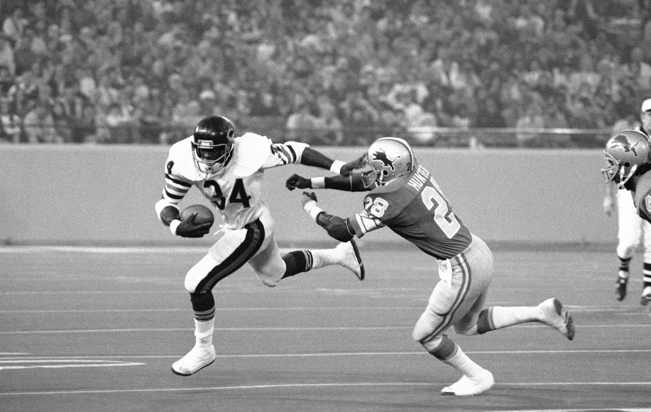 Walter Payton and the Bears ran over the Lions in 1977.