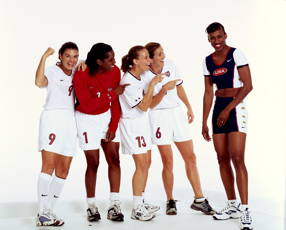 Mia Hamm, Briana Scurry, Kristine Lilly, and Brandi Chastain and Jackie Joyner Kersee :: Theo Westenberger/SI