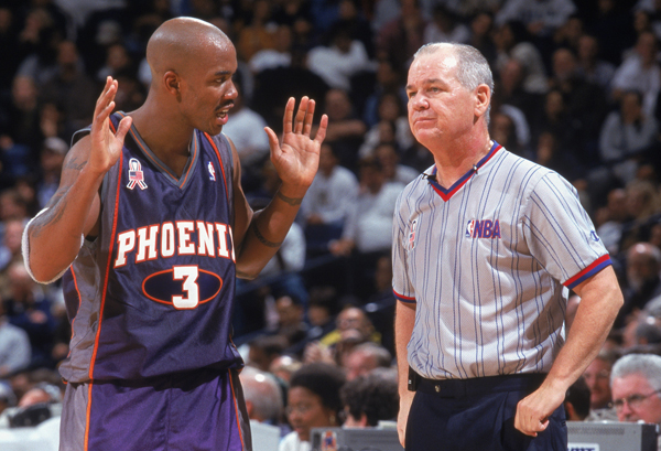 Stephon Marbury and Joey Crawford :: Getty Images