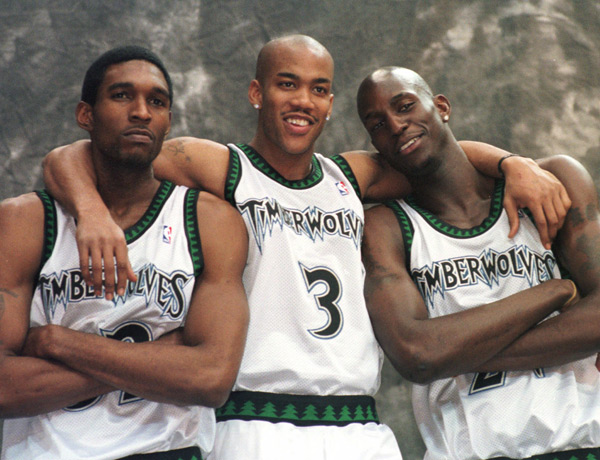 Joe Smith, Stephon Marbury and Kevin Garnett (1999) :: AP