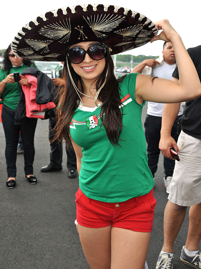 Female Fans Of The World Cup Groups A D Si Com