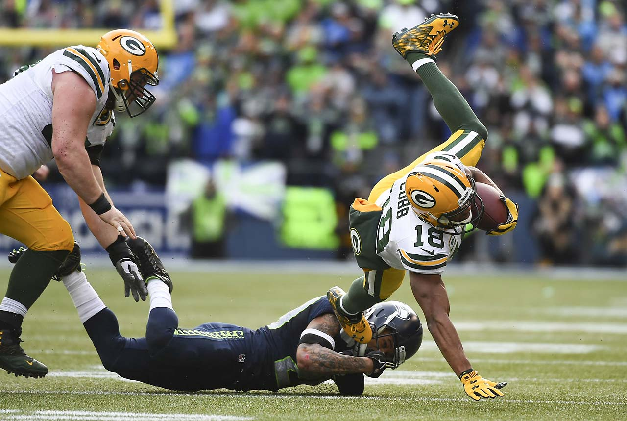 Randall Cobb led the Packers in receptions (7) and had 62 receiving yards. He also scored a touchdown that gave Green Bay a 13-0 lead.