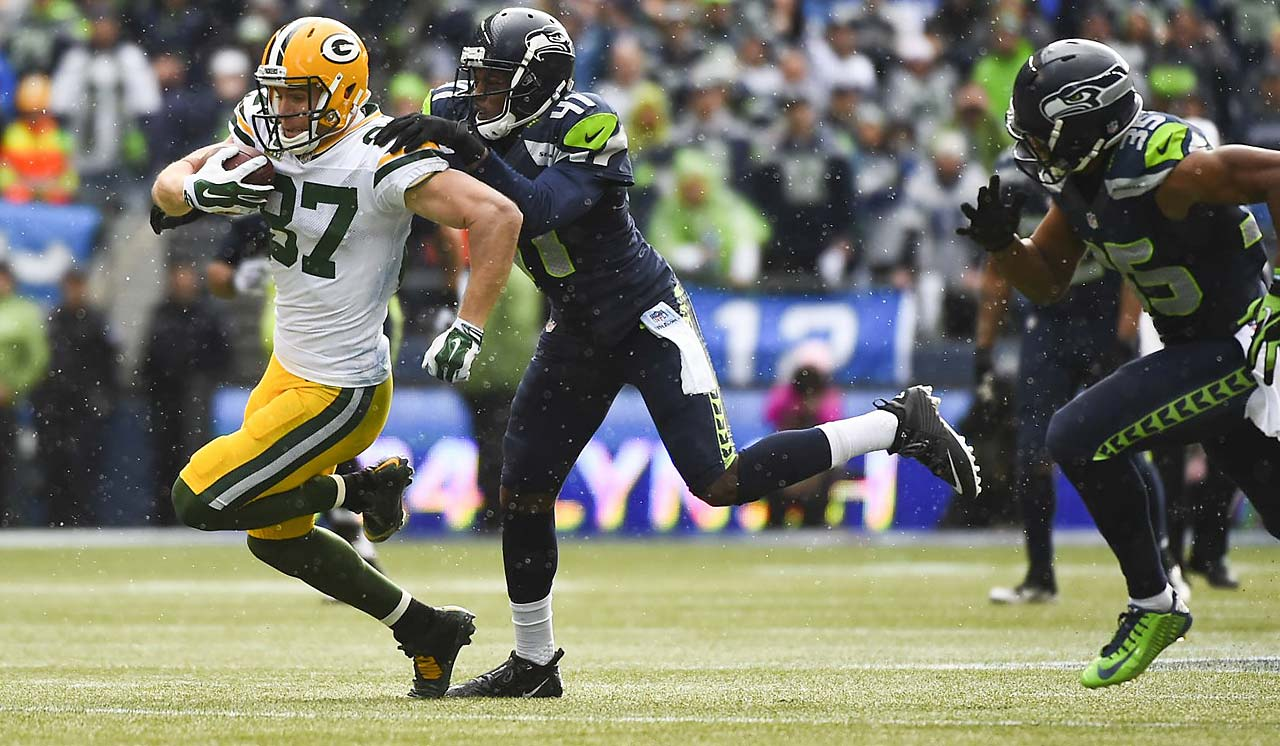 Jordy Nelson had five catches for 71 yards.