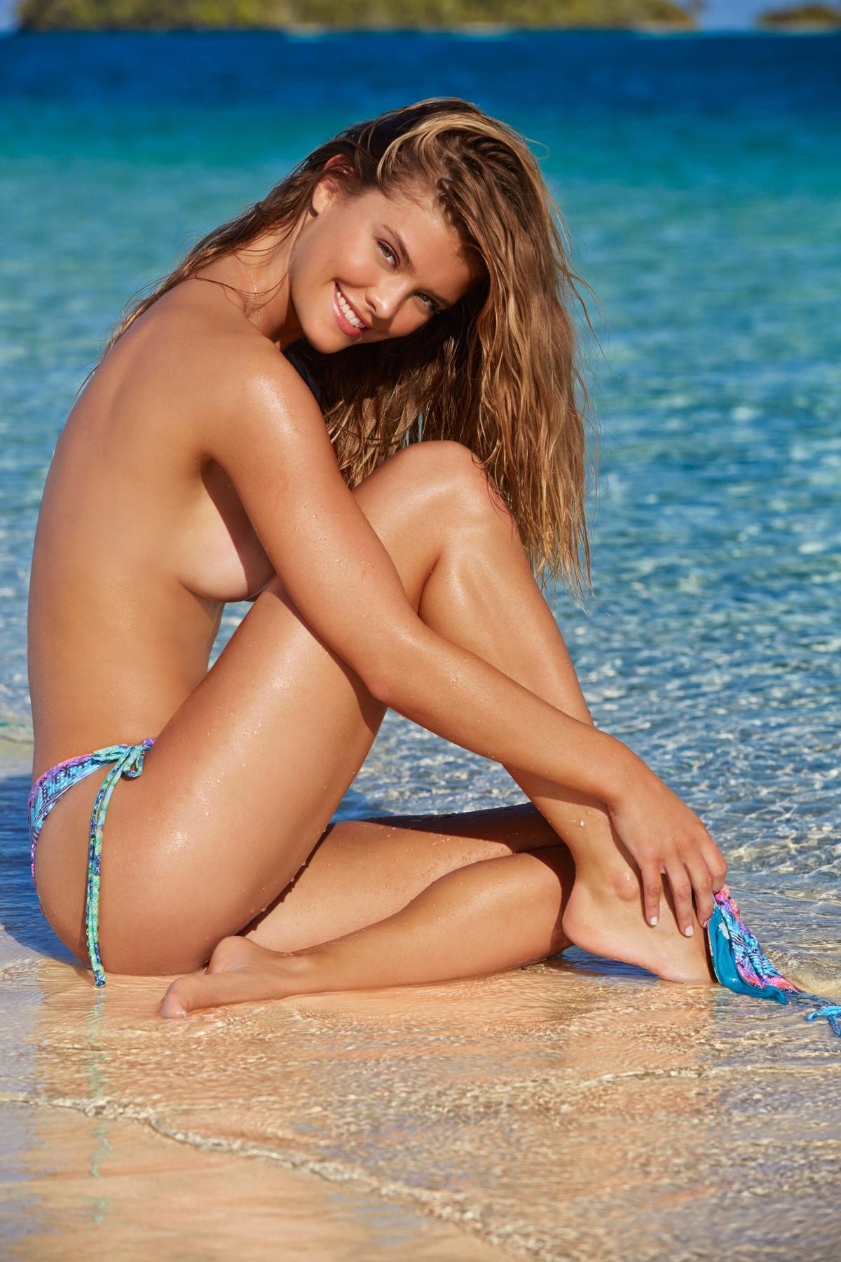 nude brunette woman sex selfie