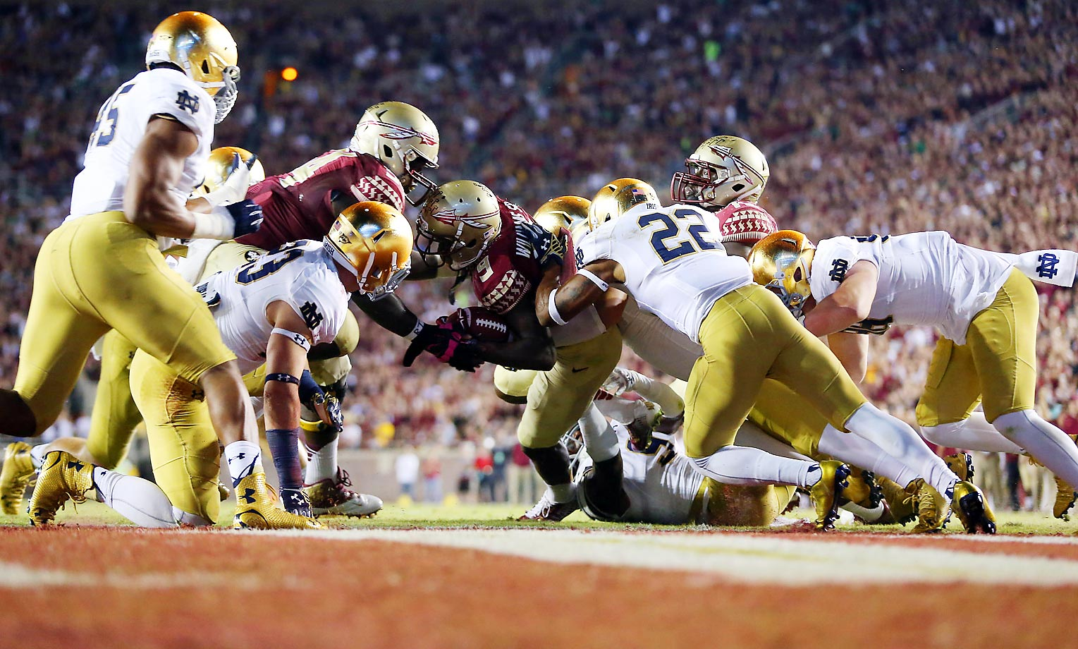 FSU's Karlos Williams goes in for a touchdown against Notre Dame.