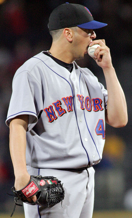 Mets pitcher Oliver Perez shows his disgust after giving up a run to the Braves in 2006.