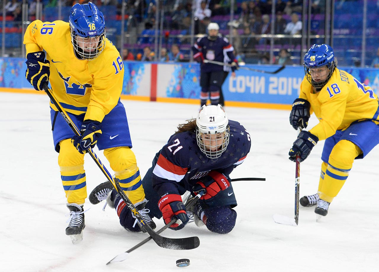 Hilary Knight helped the U.S. defeat Sweden 6-1 on Monday as it advanced to the gold medal game.