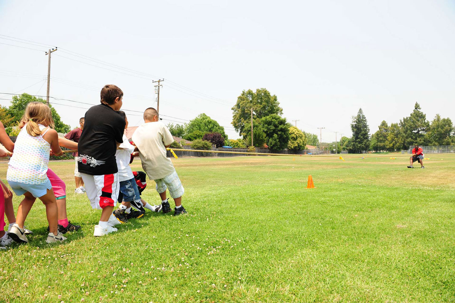 San Francisco 49ers linebacker Patrick Willis participating in an elementary school gym class at Briarwood Elementary in Santa Clara, CA in June 2008.