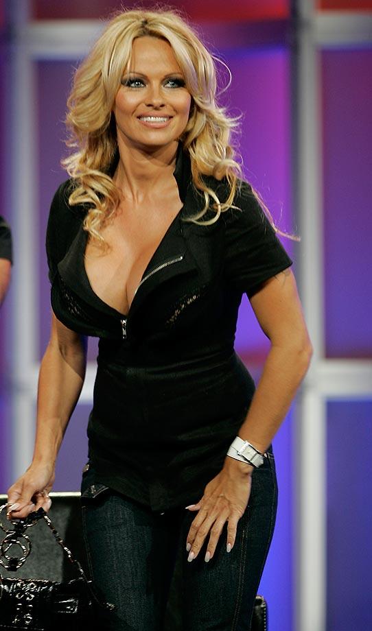 Pamela Anderson :: Damian Dovarganes/AP