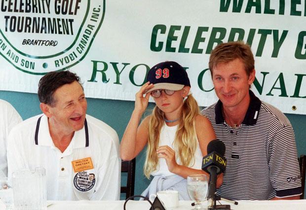 Walter, Paulina and Wayne Gretzky :: AP