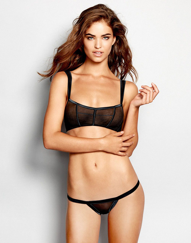 Robin Holzken :: Courtesy of Beach Bunny