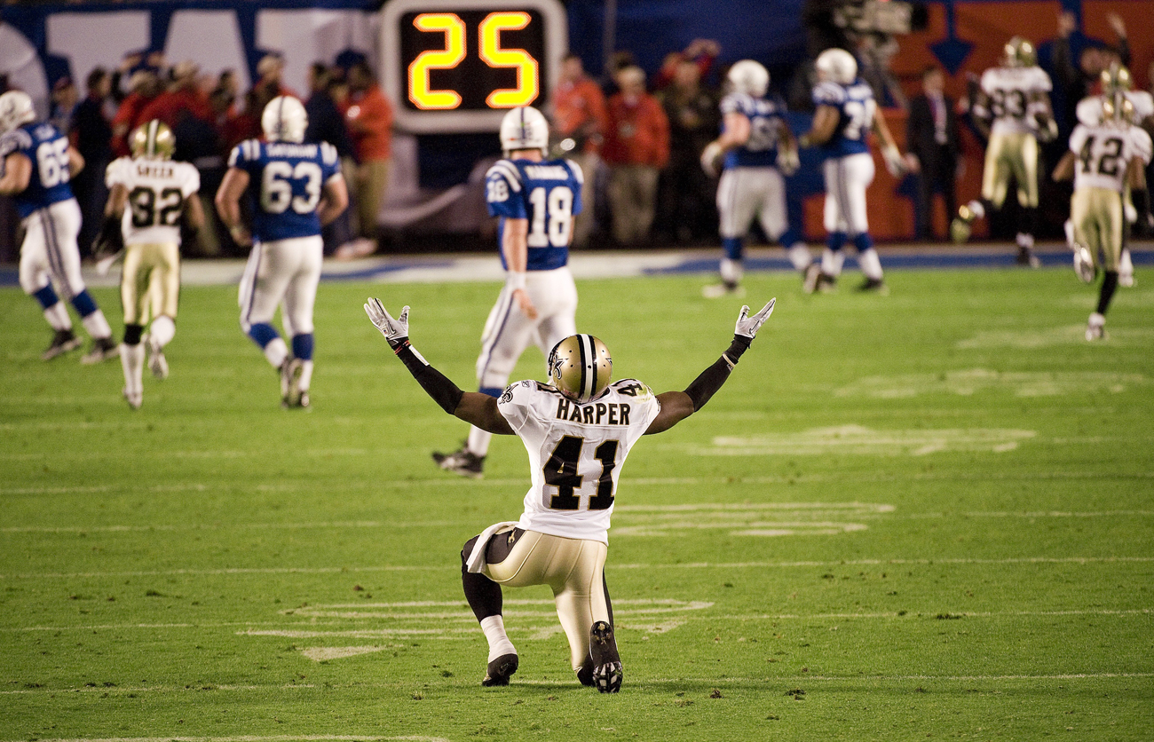 Roman Harper celebrates after the Saints' victory over the Colts in Super Bowl XLIV.