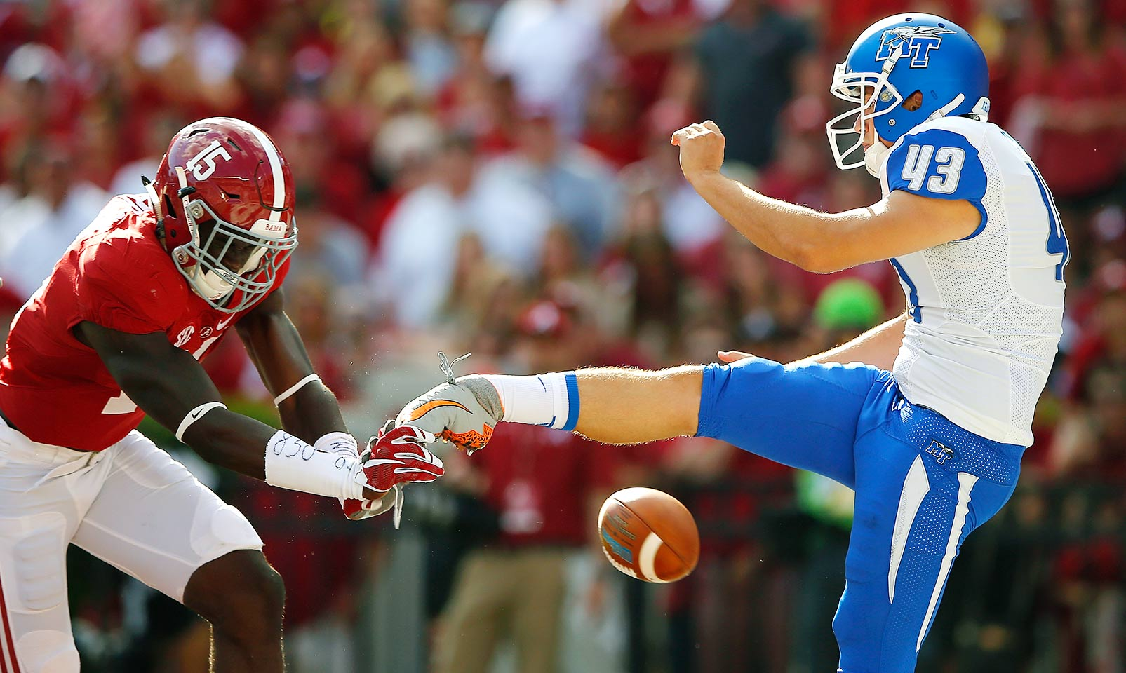 Alabama 37, Middle Tennessee 10: Ronnie Harrison's blocked punt for a safety was just part of the onslaught as the Crimson Tide built a 37–3 lead by the end of the third quarter.