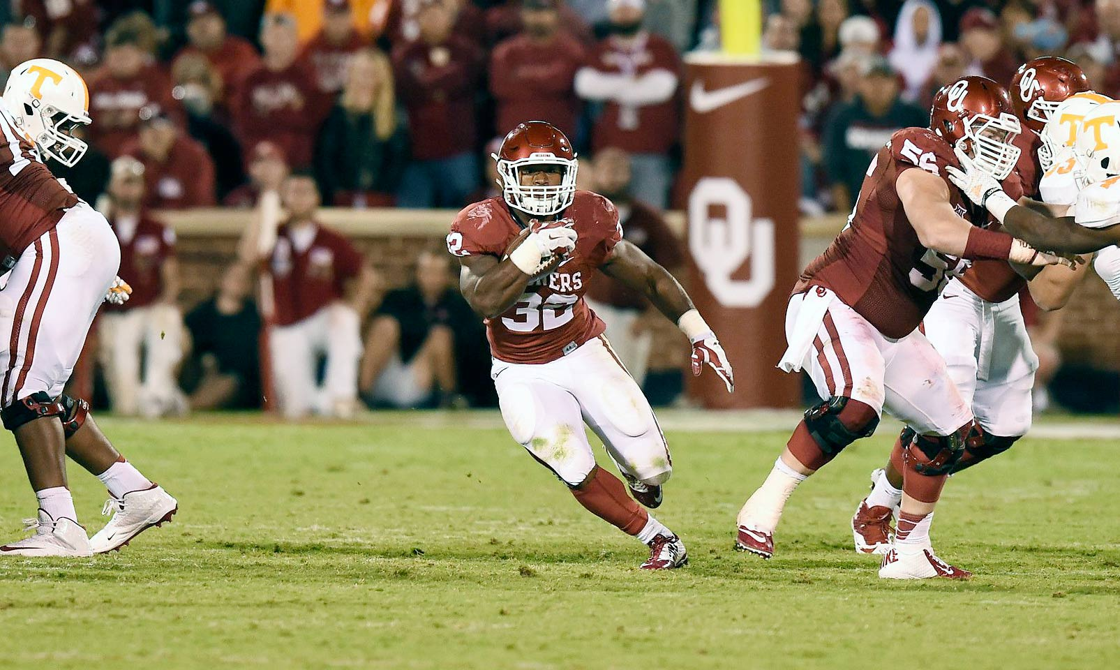 Perine hit the ground running as a true freshman in Norman. He carried the ball 263 times for over 1,700 yards and 21 touchdowns. The more he was trusted with ball, the more gaudy the numbers Perine posted, including a 427-yard, five-touchdown rushing performance against Kansas. That set the FBS record for rushing yards in a game.