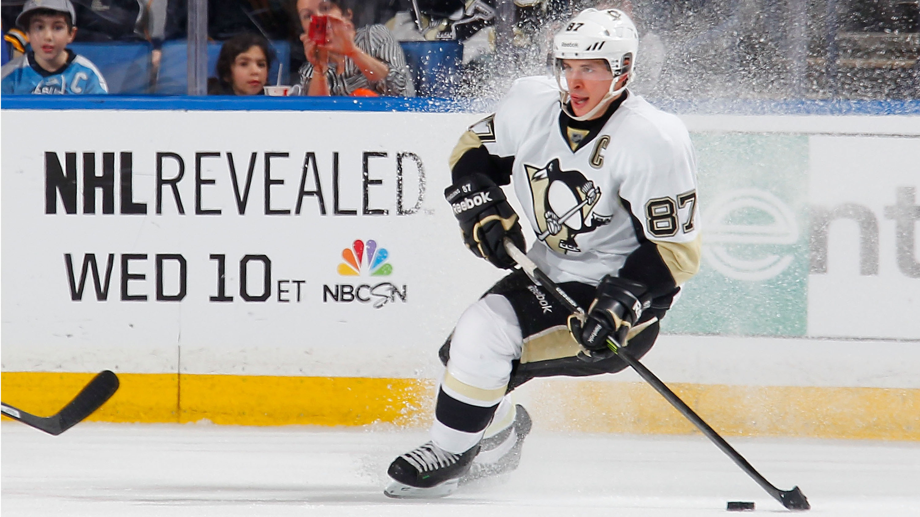 Penguins star Sidney Crosby to rehab wrist injury