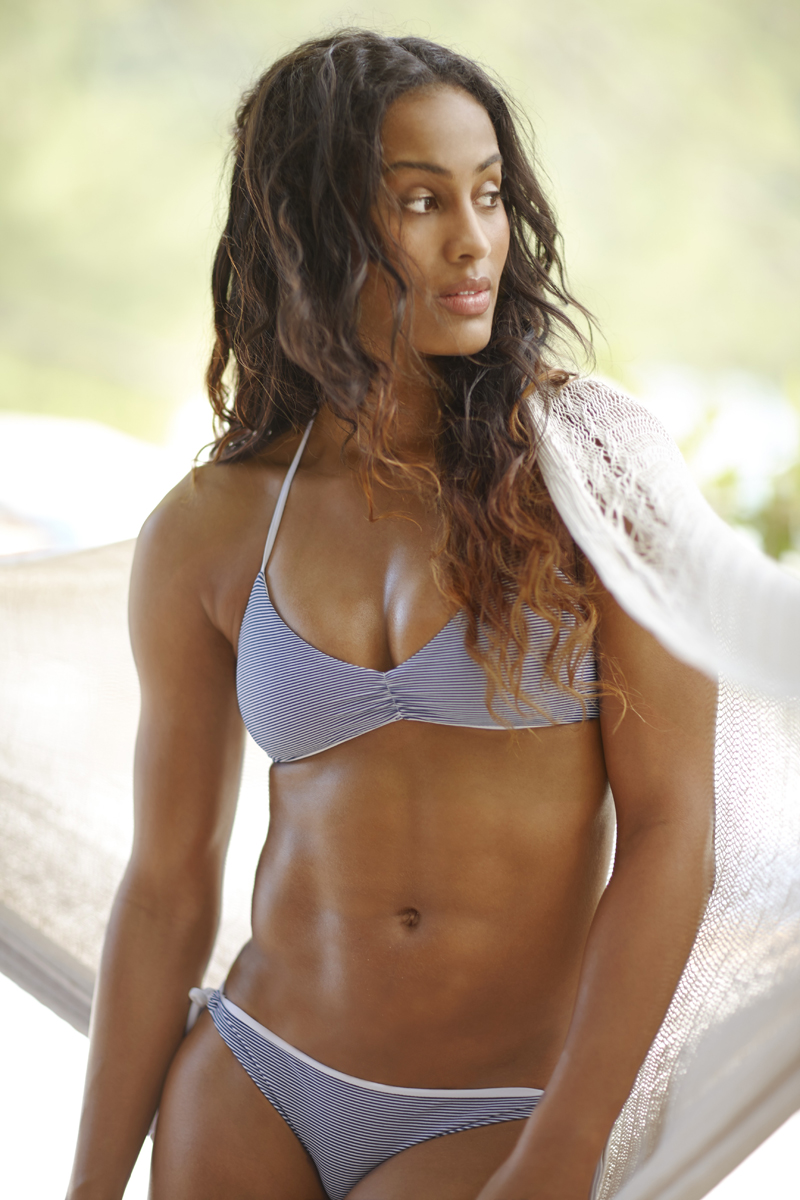 Wnba Star Skylar Diggins Hoops It Up With Si Swimsuit