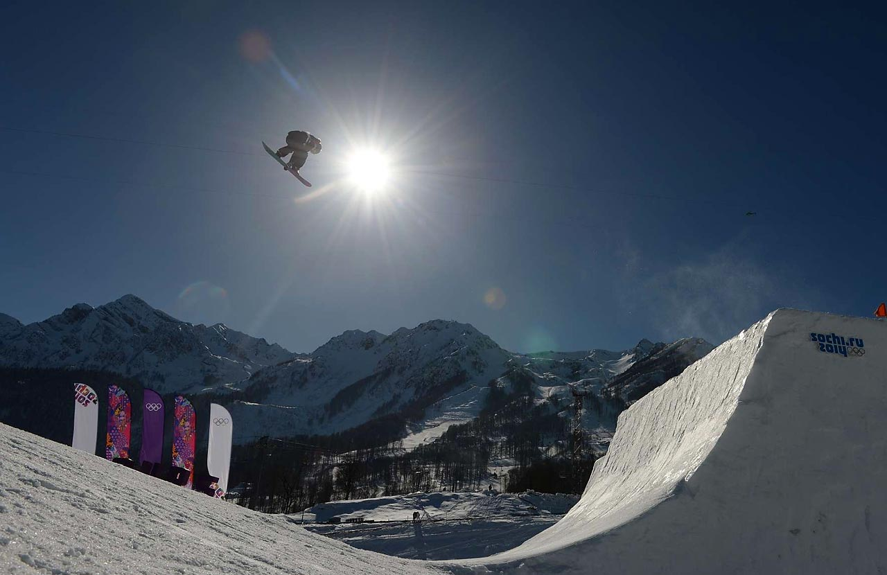 Both men and women will compete in Snowboard Slopestyle.