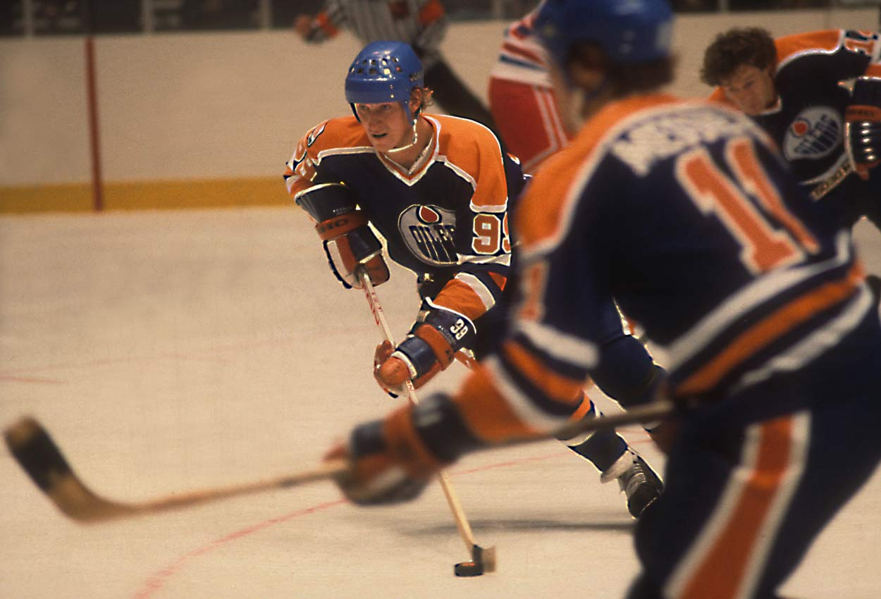 In his first NHL season, the Great One scored 51 goals and led the league with 86 assists and 137 points, good for the Hart and Lady Byng trophies, but not the Calder. His previous season in the rival WHA made him ineligible for rookie of the year, which went to another 19-year-old.