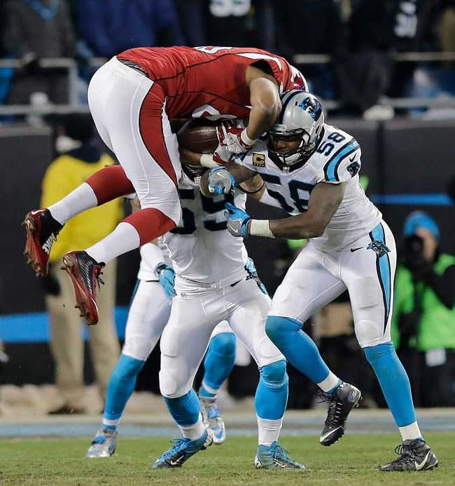Thomas Davis suffered a broken arm on this tackle of Darren Fells in the NFC Championship Game.