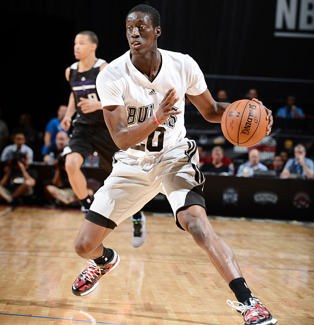 Tony Snell showed off a new haircut and a confident shooting stroke in Vegas.
