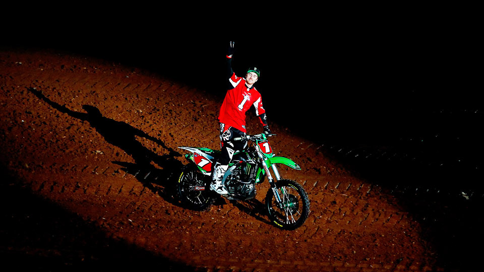 The 3-time Supercross champion has his sights set on a record-tying fourth-consecutive title this Saturday at Metlife Stadium in East Rutherford, N.J.