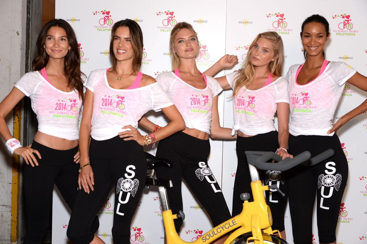 Lily Aldridge, Alessandra Ambrosio, Martha Hunt, Elsa Hosk and Lais Ribeiro :: Getty Images