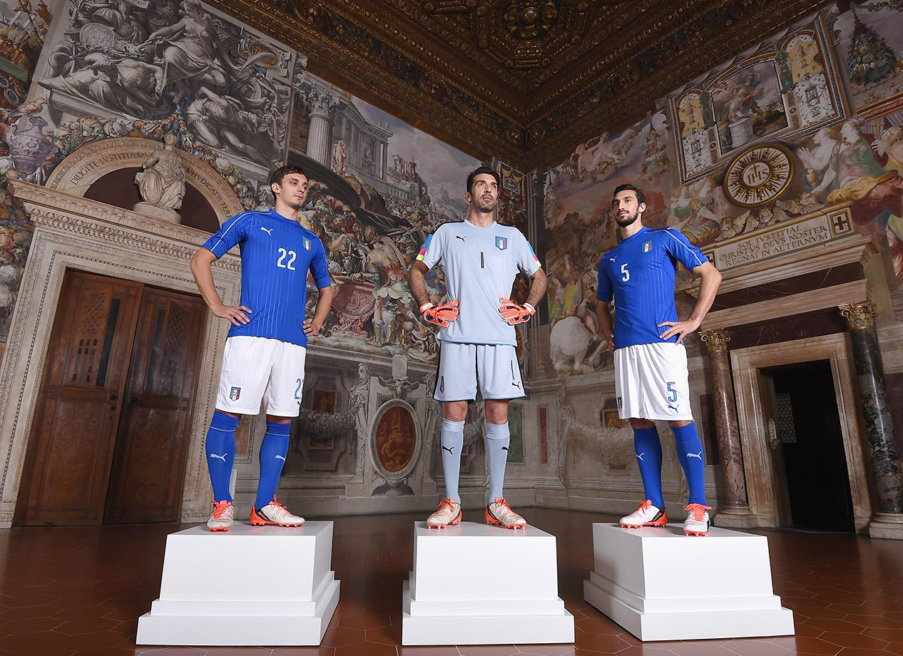 Manolo Gabbiadini, Gianluigi Buffon and Davide Astori pose during the launch of new Puma home kit at Palazzo Vecchio, Florence, Italy.