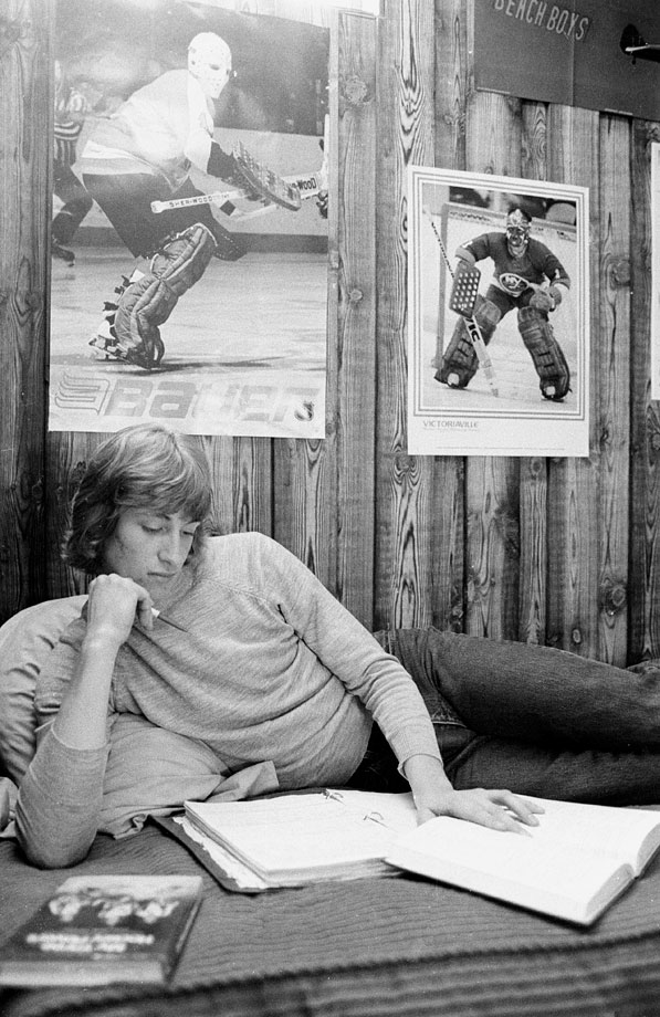 17-year-old Wayne Gretzky tries to keep up with his schoolwork in Sault Ste.Marie as a pro career looms.  (Posted Oct. 15 -- 25th anniversary of Gretzky surpassing Gordie Howe's NHL scoring record of 1,850 career points)