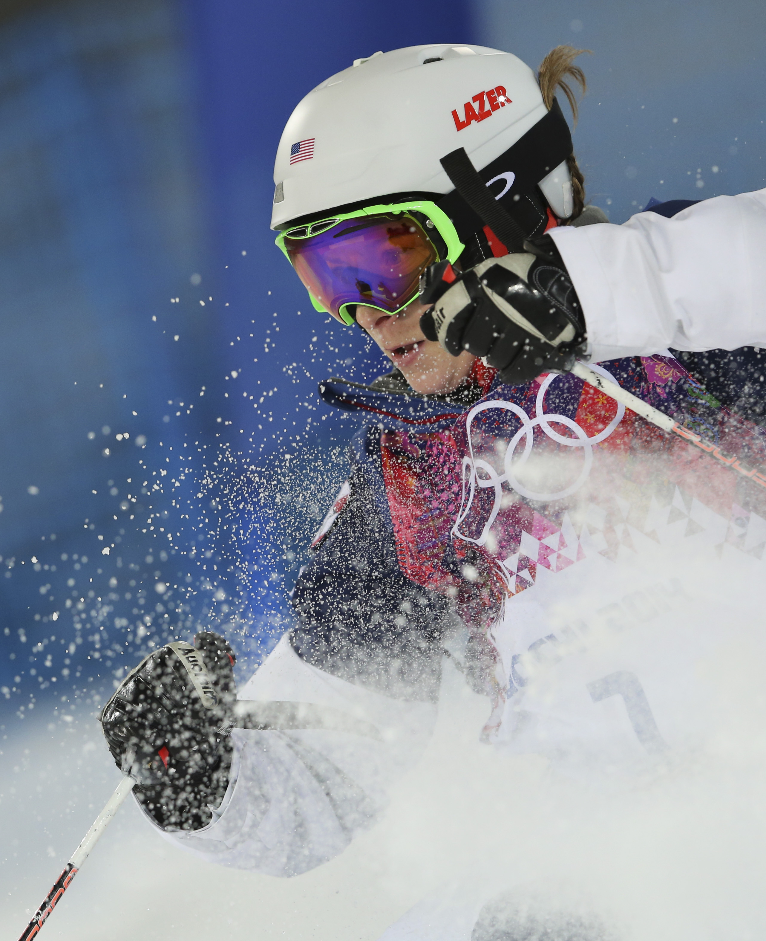 United States' Hannah Kearney runs the course in the women's moguls final at the Rosa Khutor Extreme Park, at the 2014 Winter Olympics, Saturday, Feb. 8, 2014, in Krasnaya Polyana, Russia. (AP Photo/Sergei Grits)