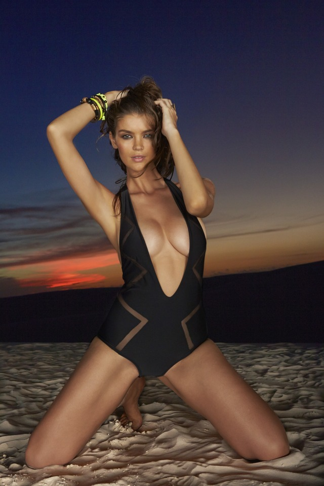 Swimsuit: 2014 Issue: Portrait of Natasha Barnard during photo shoot. ; Brazil 6/4/2013; CREDIT: Raphael Mazzucco; SetNumber: X156596 TK3