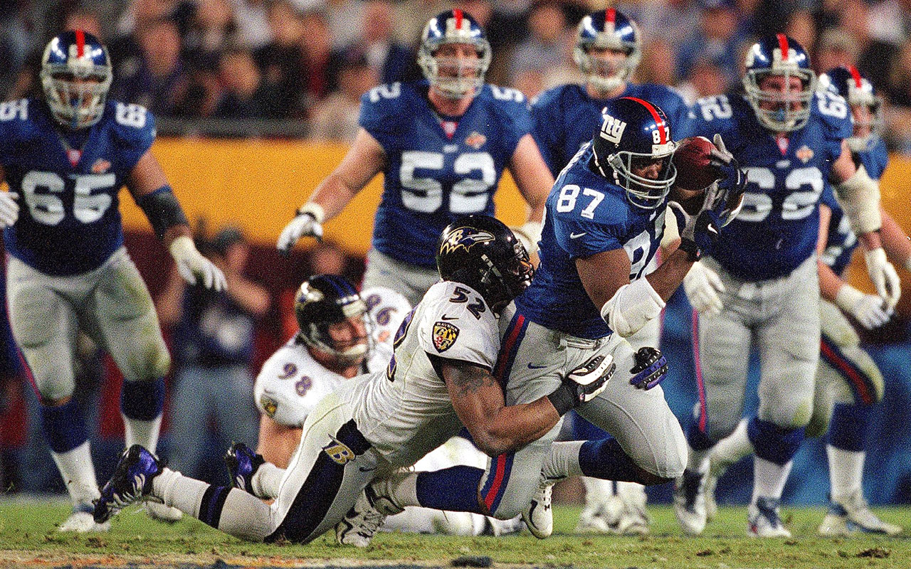 https://cdn-s3.si.com/s3fs-public/ray-lewis-baltimore-ravens-new-york-giants-super-bowl-xxxv.jpg