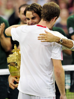 By defeating Andy Murray in the men's final Sunday, Roger Federer ties his idol Pete Sampras with 7th career Wimbledon title.