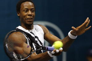 Gael Monfils, shown here at the Thailand Open, appeared to be held back by a knee problem.