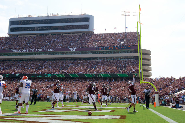 Manziel salutes the Aggies fans after scoring a touchdown against Florida.